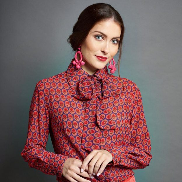 We Love   The Pussybow Blouse